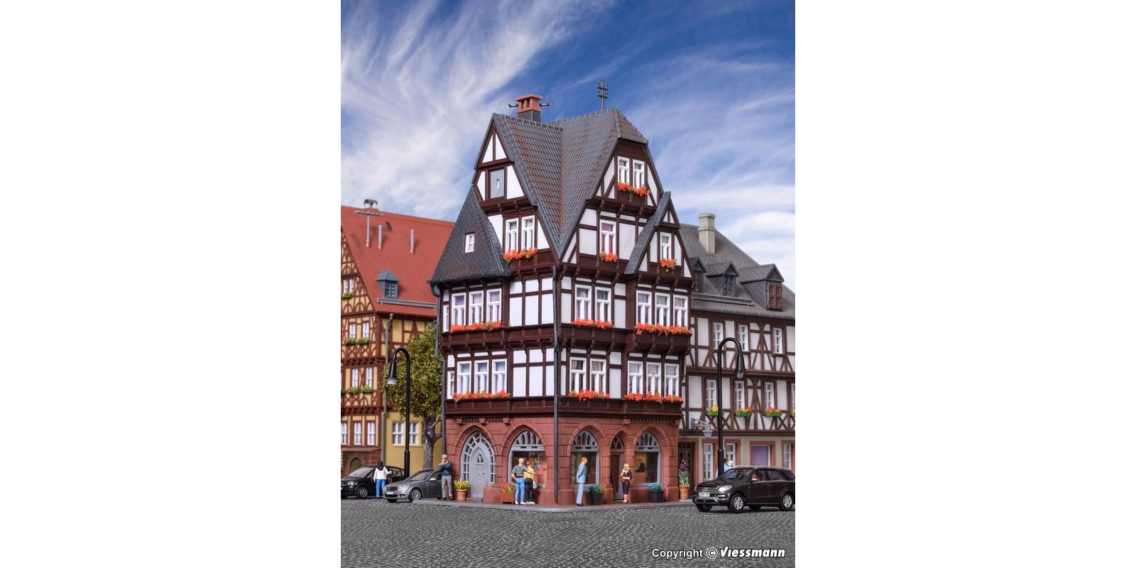 KI38450 Half-timbered city house