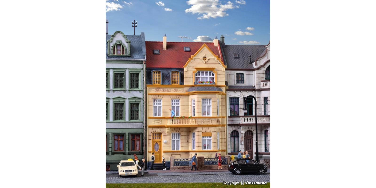 KI39101  Middle-class house with oriel Bonn