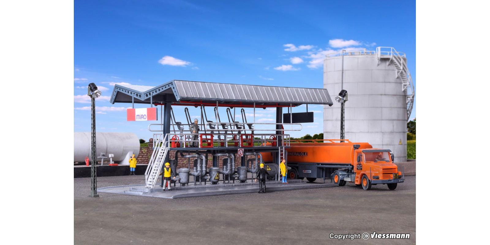 KI39834 MIRO filling station with SCANIA road tanker