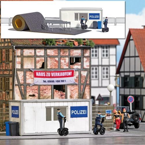 BU7868 Police Station with Segways