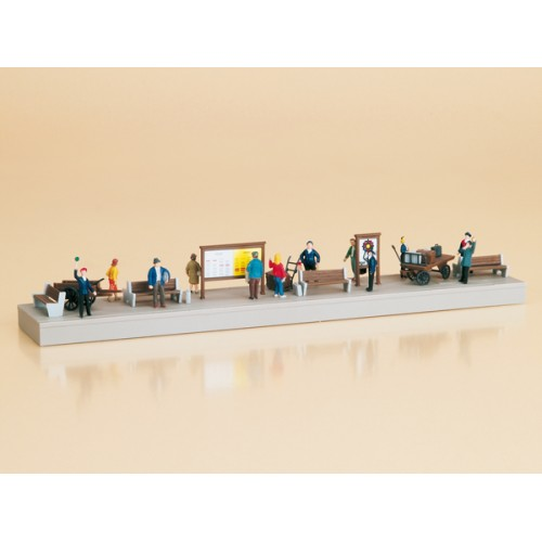 AU11339 Platform equipment with figures