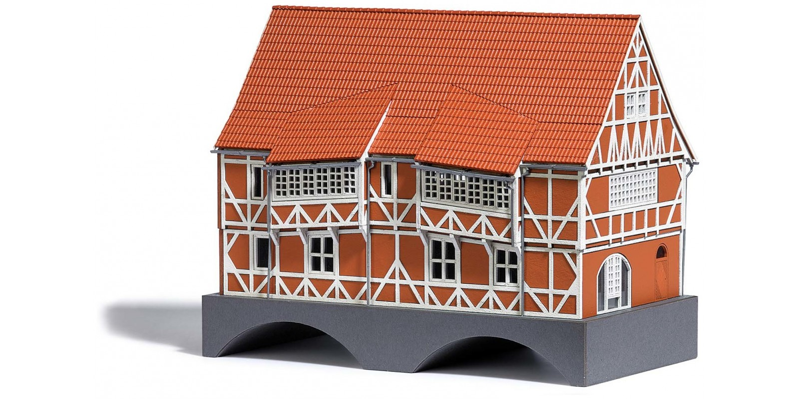 BU1656 Bridge House