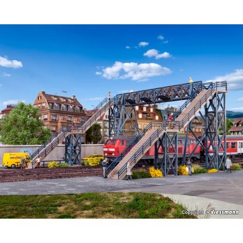 VO45709 H0 Footbridge