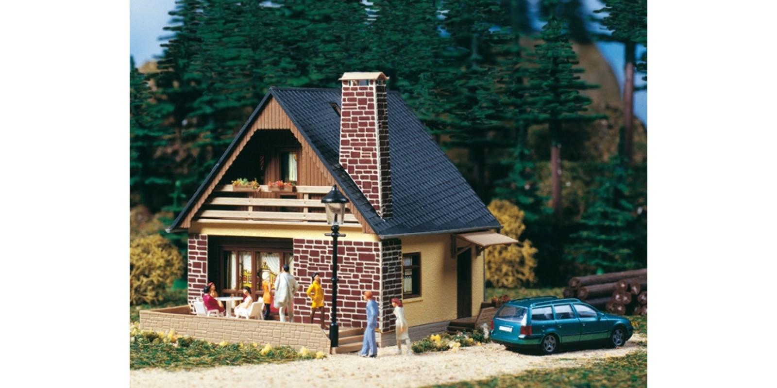 AU11377 House Katrin