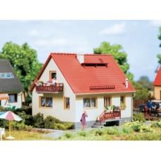 AU12232 House Ingrid