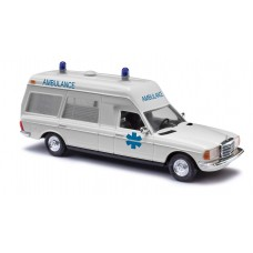 BU52213 Mercedes VF 123 Miesen, Ambulance