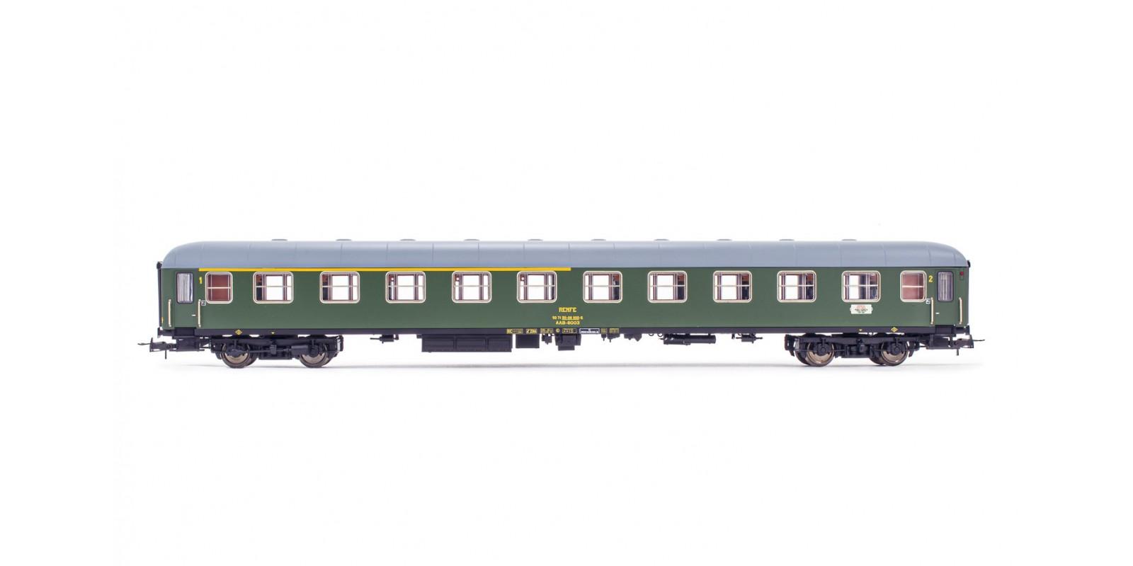 ET18037 RENFE, AAB-8000 1st/2nd class coach, green livery, ep. IV