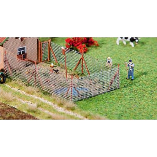 Fa180414  Wire mesh fence with wood poles, 340 mm