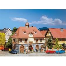 FA131376 Romantic town hall