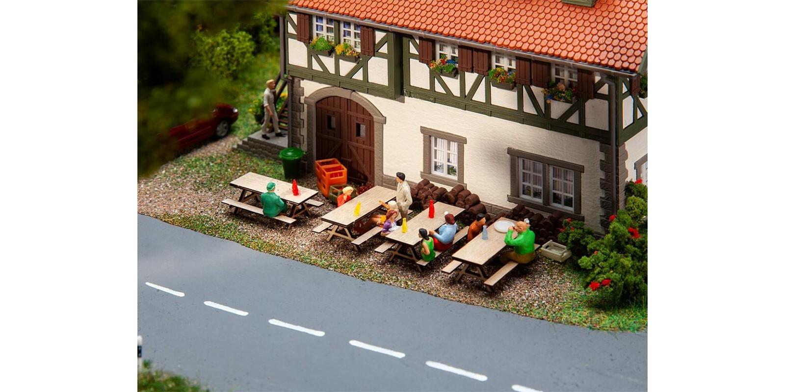 FA180304 4 Picnic benches