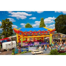 FA190074 Promotional Set Village funfair