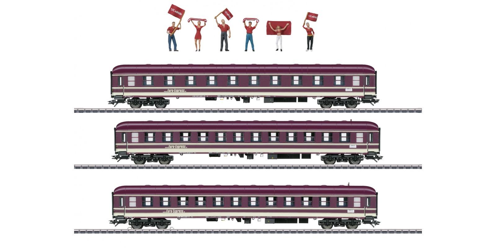 43947 Three Compartment Cars