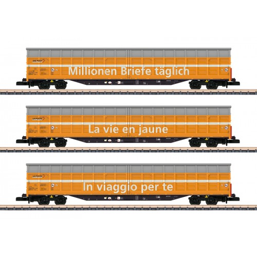 082417 Sliding Wall Boxcar Set