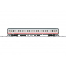 43751 Type Avmz 108.1 Compartment Car