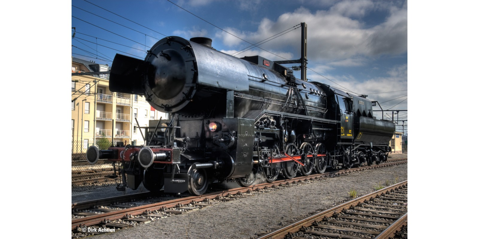 39046 Heavy Steam Freight Locomotive with a Tub-Style Tender, Road Number 5519