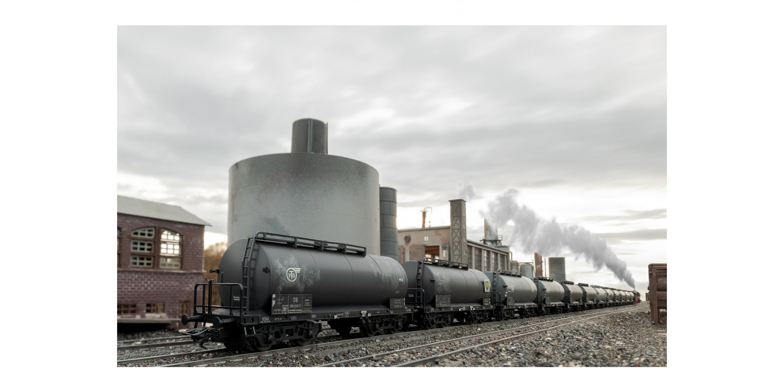 """00727 Display with 12 """"Standard Design Tank Cars"""""""