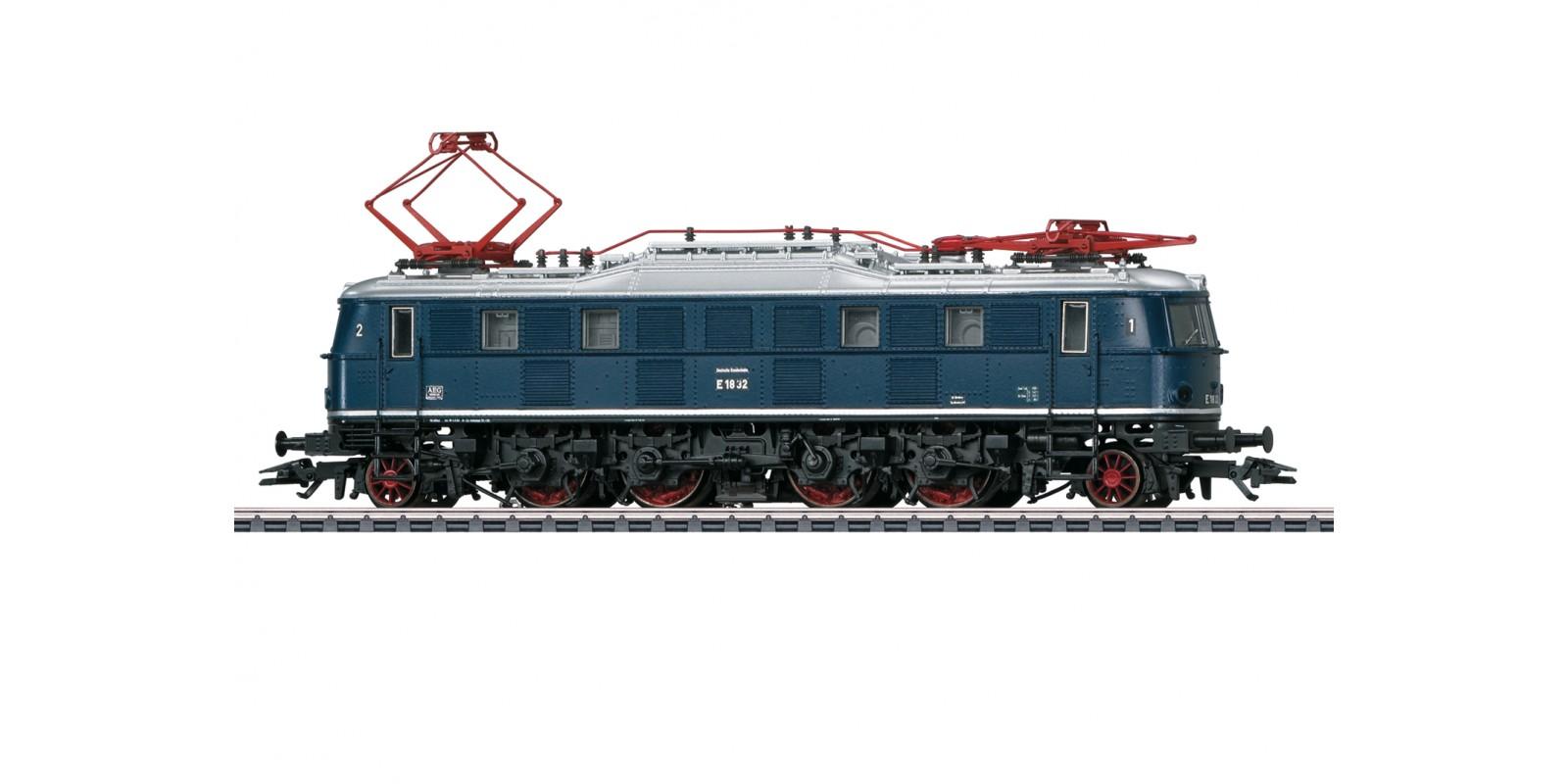 39683 Class E 18 Electric Locomotive