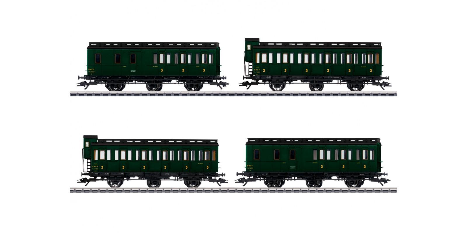 42042 Compartment Car Set