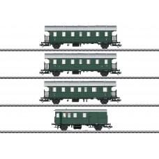 43146 Passenger Car Set with a Cab Control Car