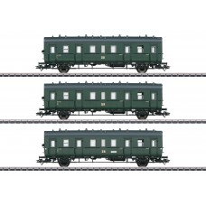 46395 Passenger Car Set for the Class 75