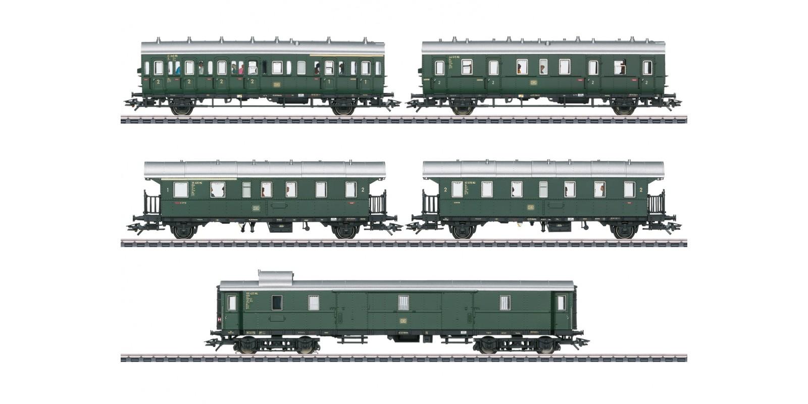 43144 Passenger Car Set for the Cla