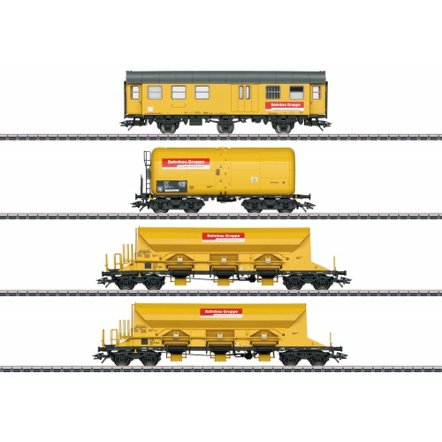 """49969 """"Track Laying Group"""" Freight Car Set"""