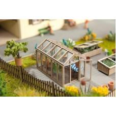 No14357 Green House, 4,2 x 2,4 cm, 2,6 cm high
