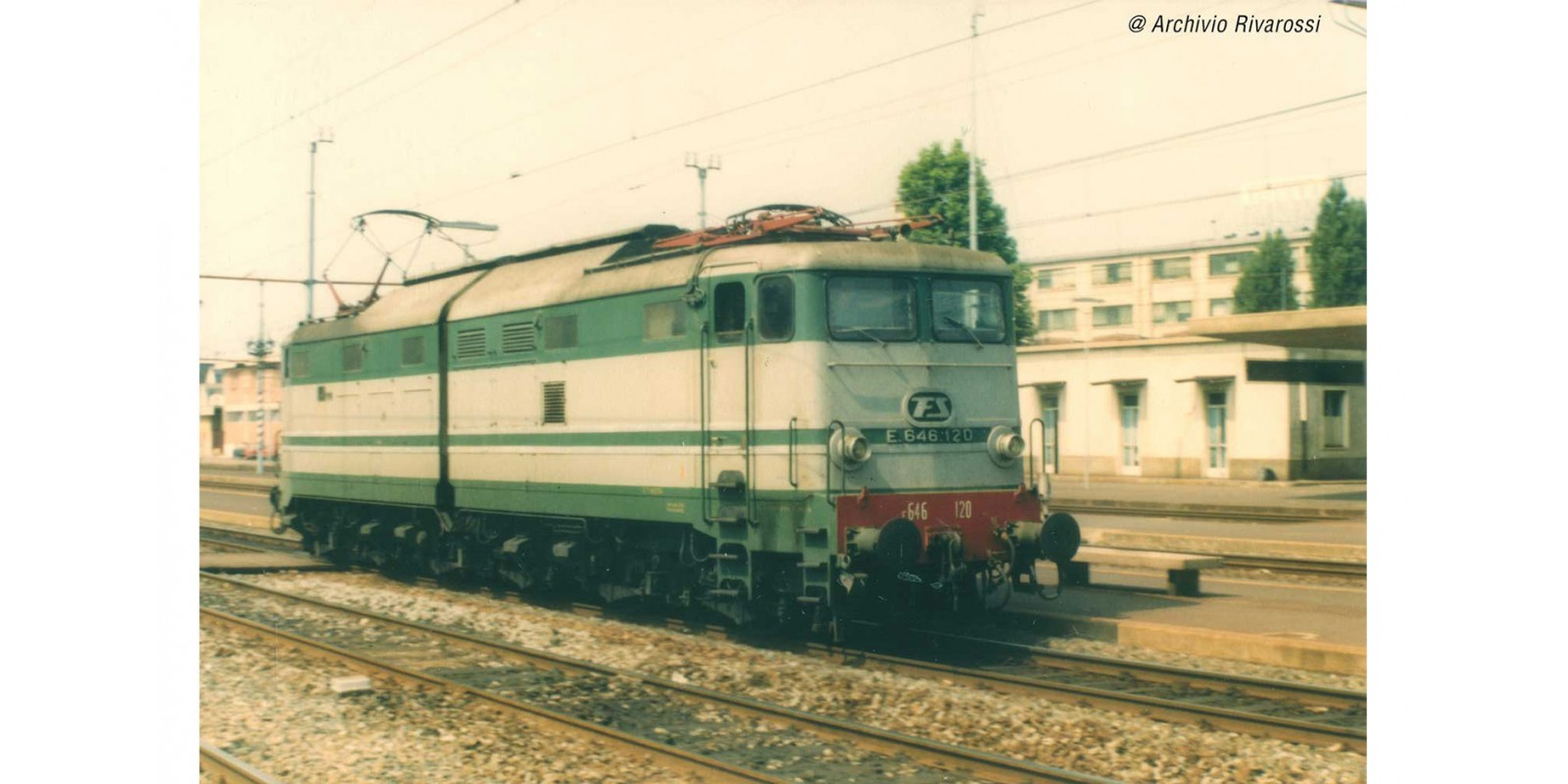 RI2869S FS, electric locomotive E.646 2nd series green/grey aluminium stripes, black bogies, ep. IV, with DCC Sound decoder