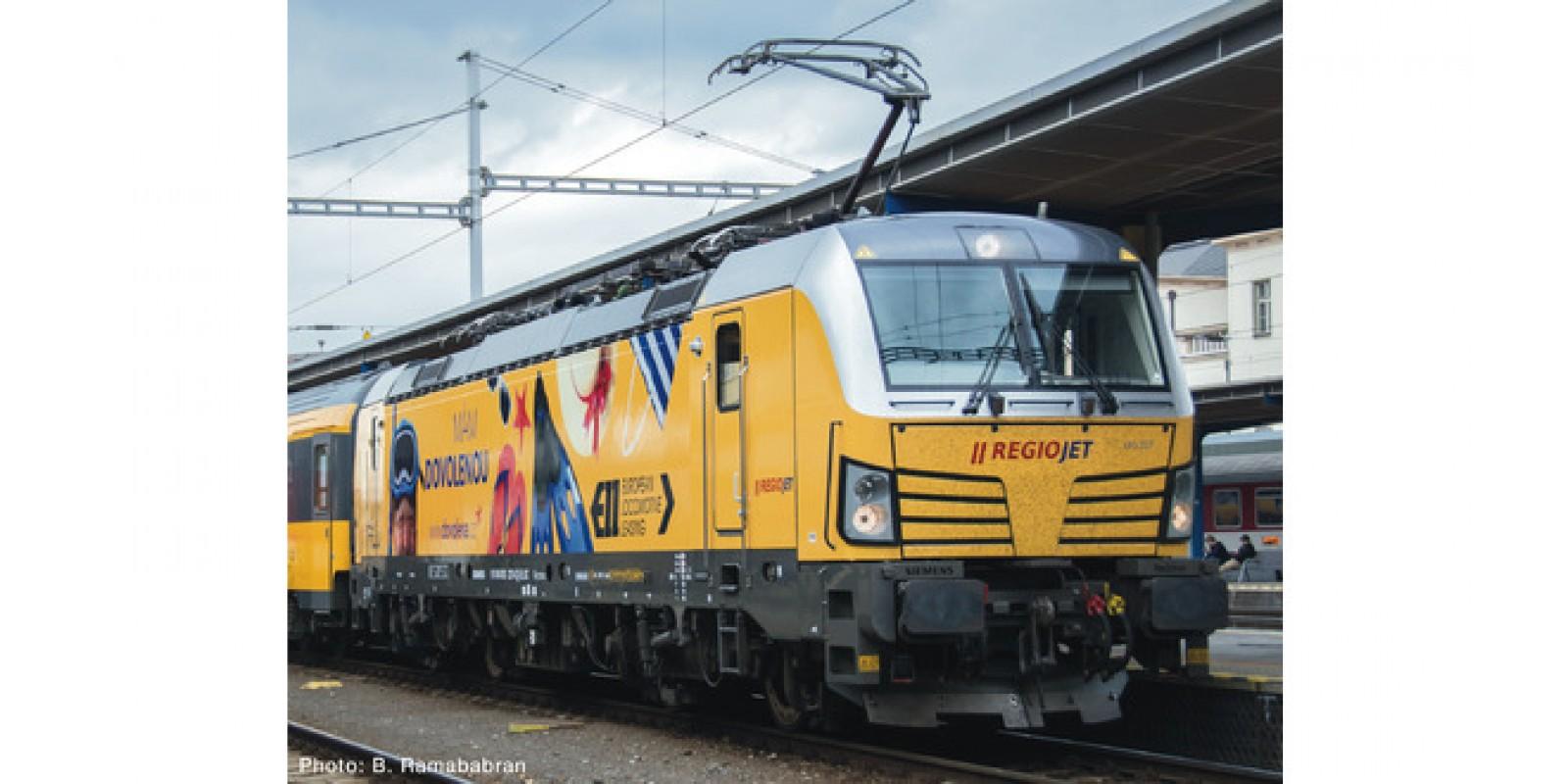 RO73940 - Electric locomotive 193 227, Regiojet