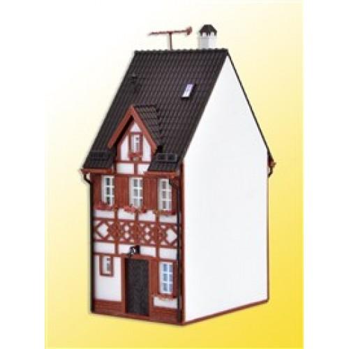 VOLLMER  43673 H0 Half-timbered house Bahnhofstraße 17