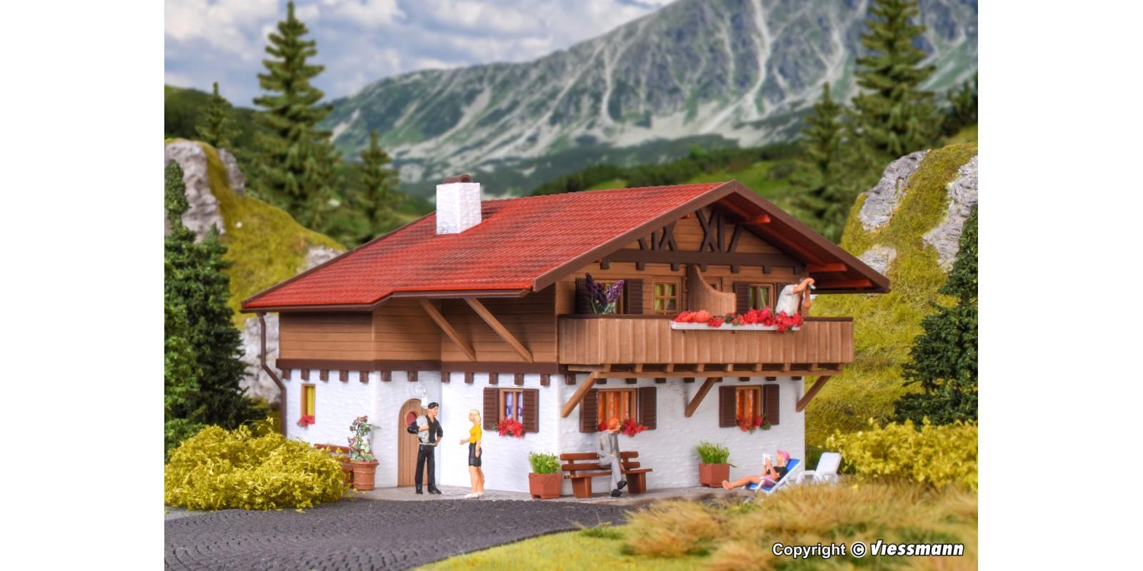 VO43702 H0 House Alpenrose