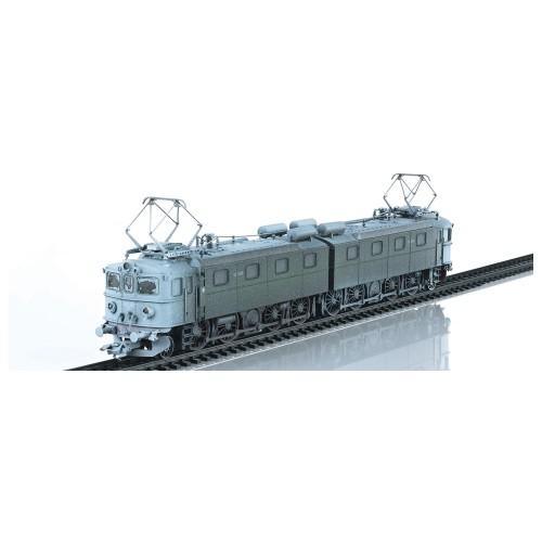 37754W Heavy Ore Locomotive, authentically snow-weathered by HMC